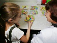 Влияет ли слух на развитие речи ребенка?